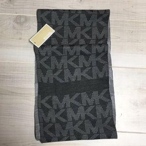 MICHAEL Michael Kors Accessories - 🆕Michael Kors Gray infinity scarf